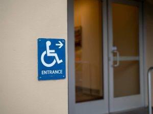 Les portes automatiques un enjeu d'accessibilité - Axed Manusa